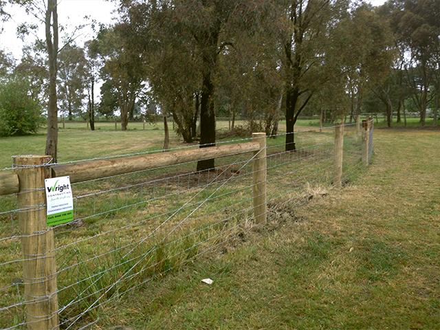 Post & Wire fence, Darraweit Guim