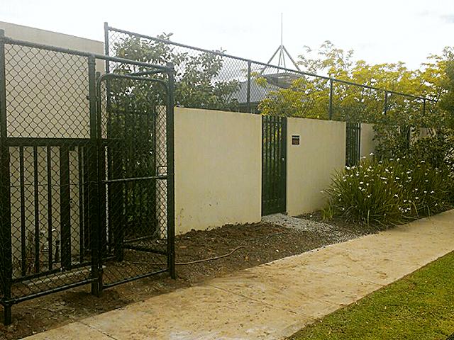 Chain mesh fence, Derrimut